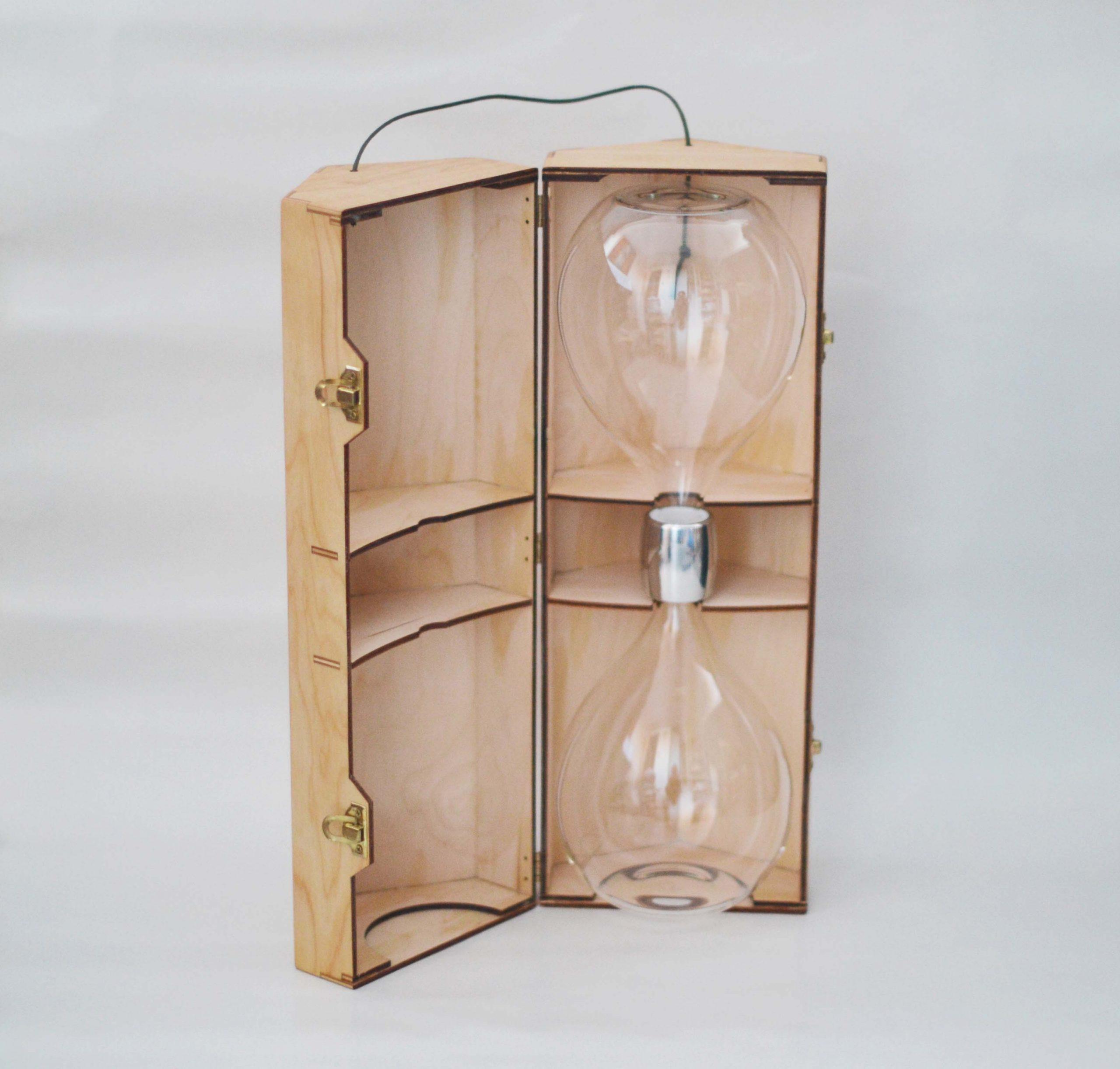 ELI steklenka za revitalizacijo pitne vode